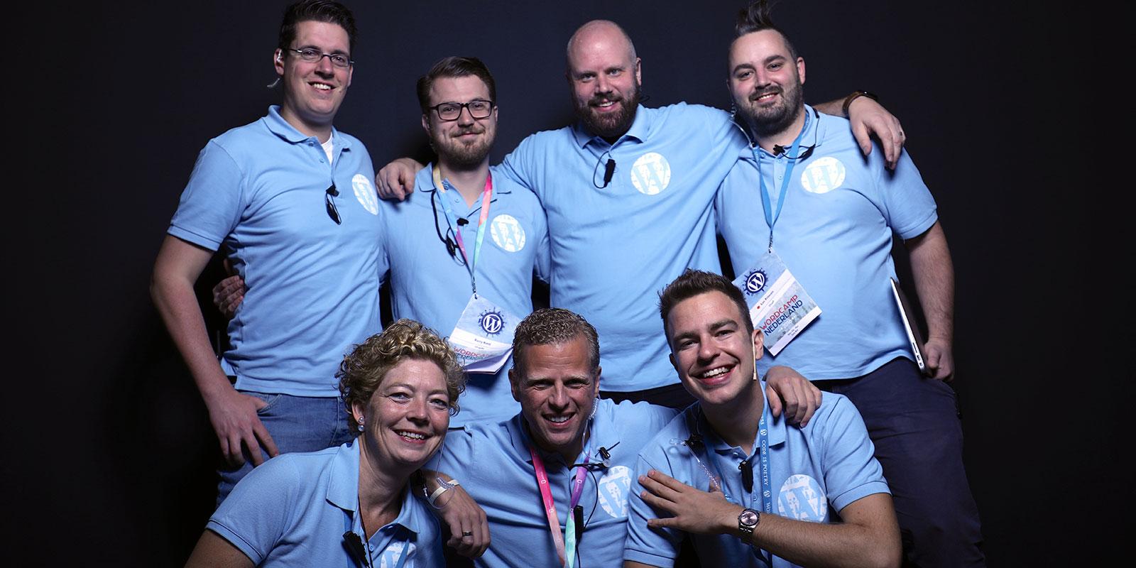 Organisatie WordCamp Nederland 2016. V.l.n.r. Taco, Wendy, Barry, Marcel, Remkus, Bas en Luc. Foto door Henk-Jan Winkeldermaat